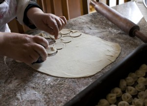 Shishbarak: Cutting Dough